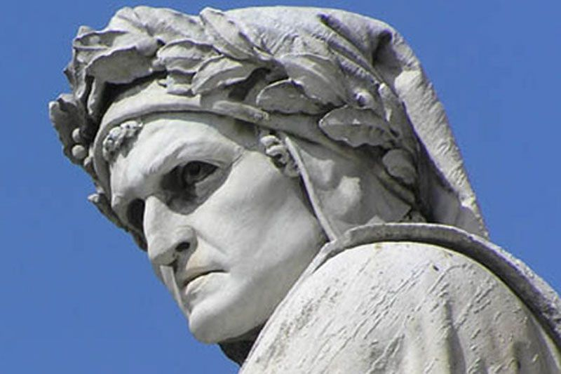 Statua di Dante Alighieri
